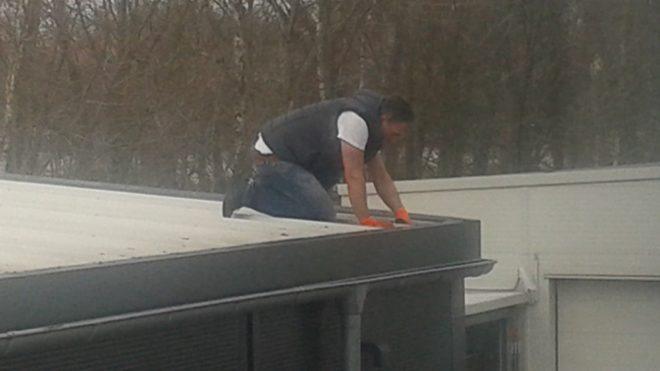 Der Winter ist endgültig vorbei - Dachrinnen reinigen ist jetzt wichtig!